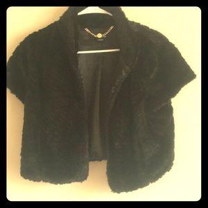 BEBE faux fur black half short sleeve jacket